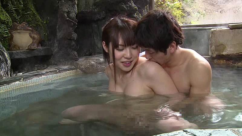 混浴温泉で奇跡の若い女性客と遭遇!興奮してたら湯船からチ○コがにょっきり!ニューハーフと気づいても僕の勃起も収まりつかずヤッてしまいました 画像6