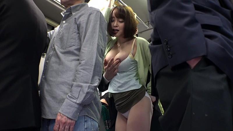 巨尻でミニスカで巨乳の痴女人妻の、痙攣パンチラ痴漢無料エロ動画!【痴女、人妻動画】