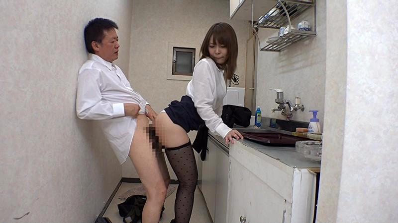 女子社員だけの部署で男は一人、黒パンストから透けたパンチラが僕の勃起を誘う。実は!!女子全員が手を出してもらいたくってウズウズ待っているのです 画像13