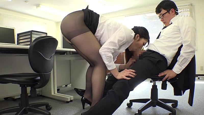 女子社員の黒パンスト誘惑 仕事はできなくても、ストレスで欲求不満な美人女子社員をチ○ポでヒイヒイ言わせて喜んでもらえました。のサンプル画像