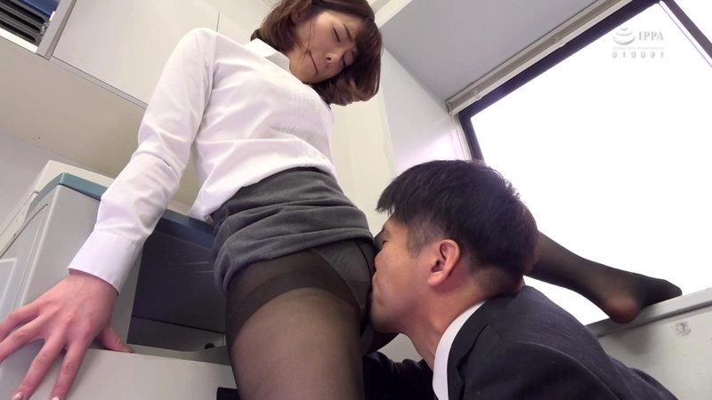 女子社員のむっちり黒パンスト透けパンチラが社内や出張先で俺を誘う。パンスト破ってチ○ポねじこんでイイんですよね?2