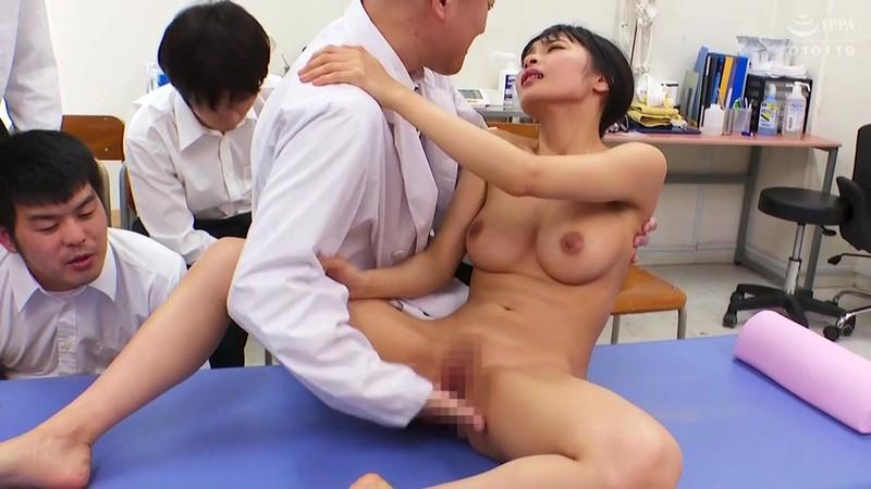 羞恥 新任女教師が学習教材にされる男子校の性教育 逢見リカ先生編