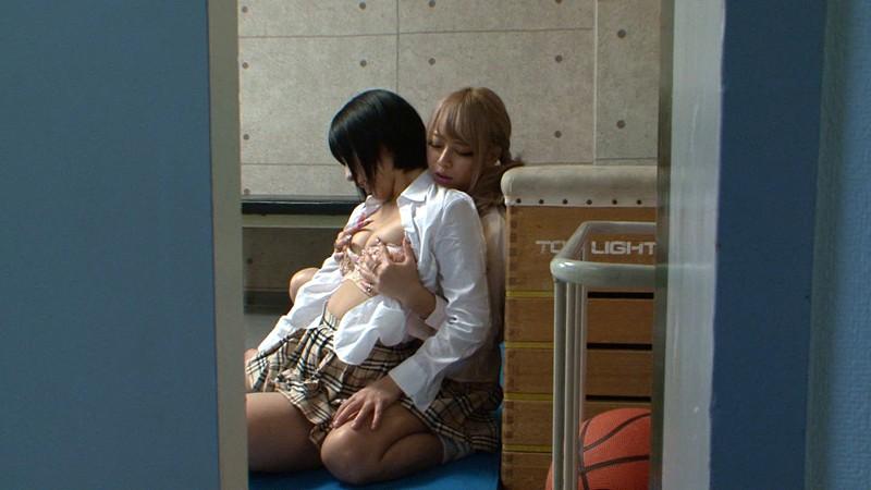 「覗き癖のある俺がギャルに妹とのレズセックスを見せて欲しいと頼んだ結果www」 阿部乃みく 相葉レイカ 画像10
