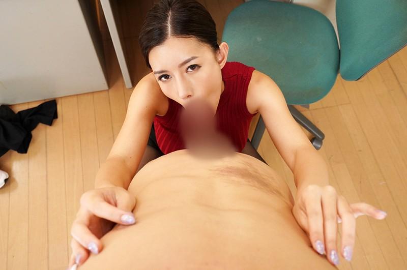 永井マリアが立ちフェラしながら乳首責め