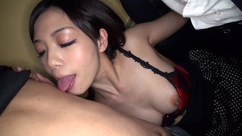 乳首舐め逆痴漢