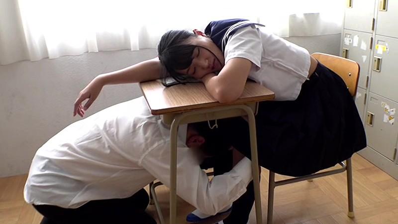 あの頃、制服美少女と。 加賀美まり 2枚目