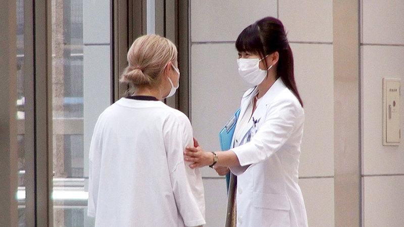 女医in...(脅迫スイートルーム) 羽田希 画像1