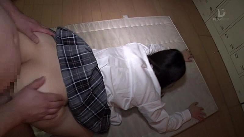 制服美少女と性交 心花ゆら 画像18