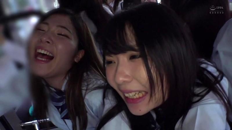 制服女子ぎゅうぎゅう痴●バス7