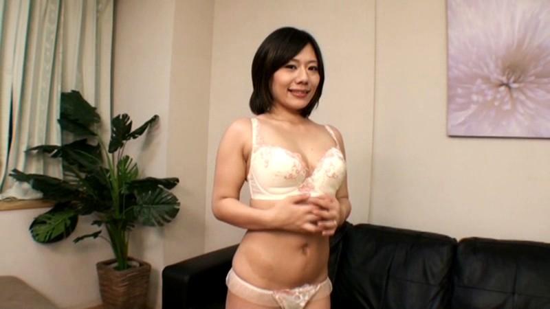 人妻の裏バイト 面接即フェラ!!即抜き!! 画像5
