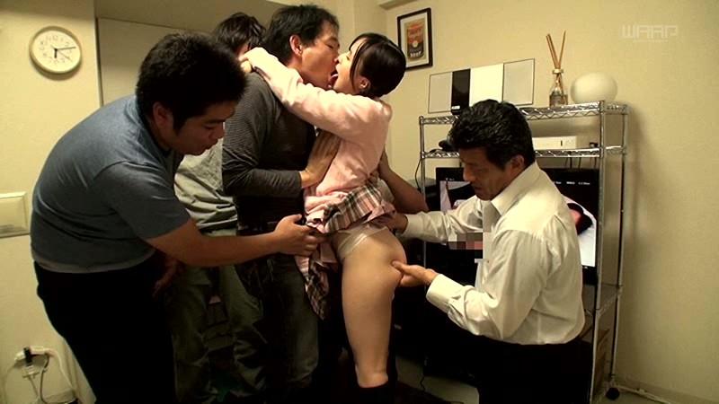 宮沢ゆかり、104発の精子飲む。4じかん。 7枚目