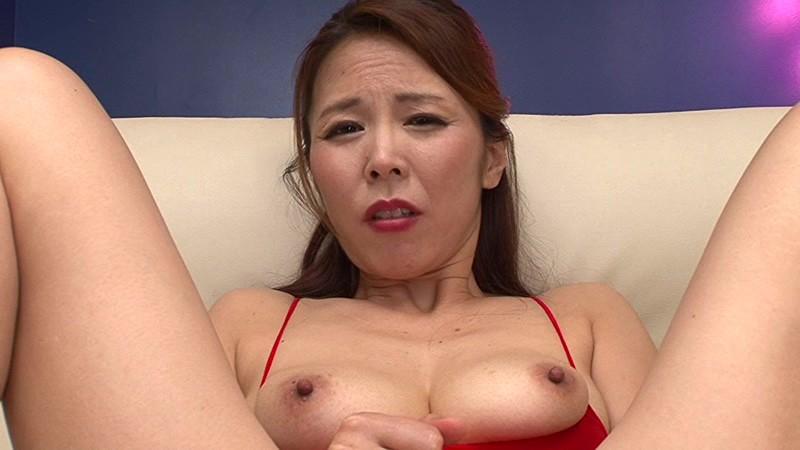 ド助平美熟女がM男と互いに寸止め焦らして溜まった性欲開放SEX 矢吹京子 画像10