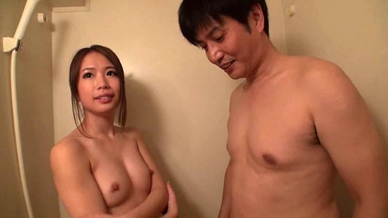 あなたのお宅でセンズリ鑑賞…のはずがむしろ女優が辛抱タマらず性交サポート3本番 戸田エミリ|無料エロ画像12