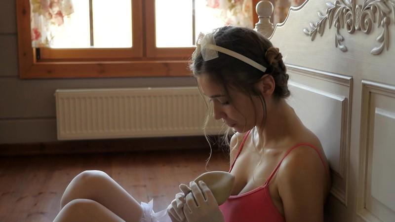 Mila.A 「TOKYODOLL 白人美少女のグラビア」 サンプル画像 8