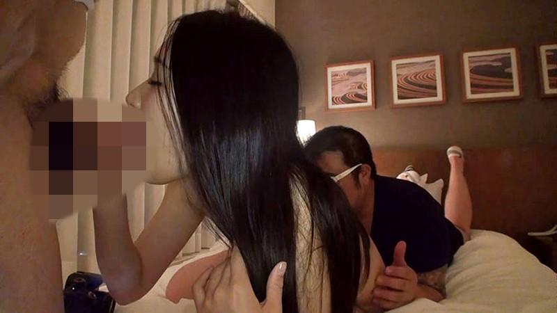 【個人撮影】3P連続ナマ中出し!喫茶店のウェイトレスみかちゃん(23)黒髪ロングヘアでWフェラ初体験!出勤数時間前に妊娠レベルの大量精子をオマ○コに入れまくるんです!!3
