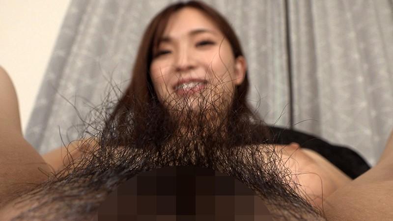 こんな綺麗な顔なのにジャングル陰毛!! 生やしっぱなしの未処理剛毛ま○こでイキ狂う欲求不満の美人妻 鈴木真夕26歳 18枚目