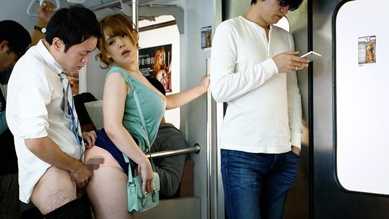 満員電車で接吻挑発、発情素股されちゃって… ベスト 17名の電車猥褻映像18