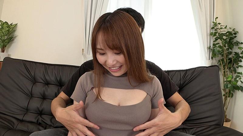 乳首をいじられて勃起しちゃった素人娘 31
