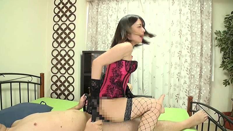 威圧系 淫語責め唾吐き痴女 麻里梨夏 14枚目