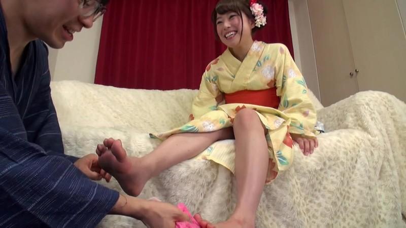 美女の足裏をふやけるまで舐めたい! 宮沢ちはる 5枚目