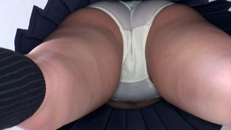 女子校生がしゃがんだら…真下から覗きたいに決まってる! 画像10
