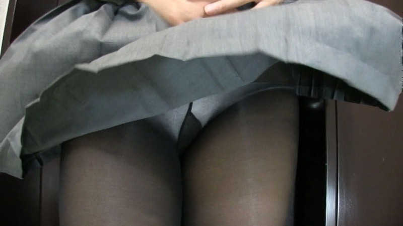 女子校生 風パンチラSPECIAL 黒タイツVS生パンツ編 画像6