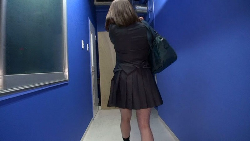 やっぱり!階段女子校生 制服のスカートの中身俺は絶対覗いてみたい編のサンプル画像