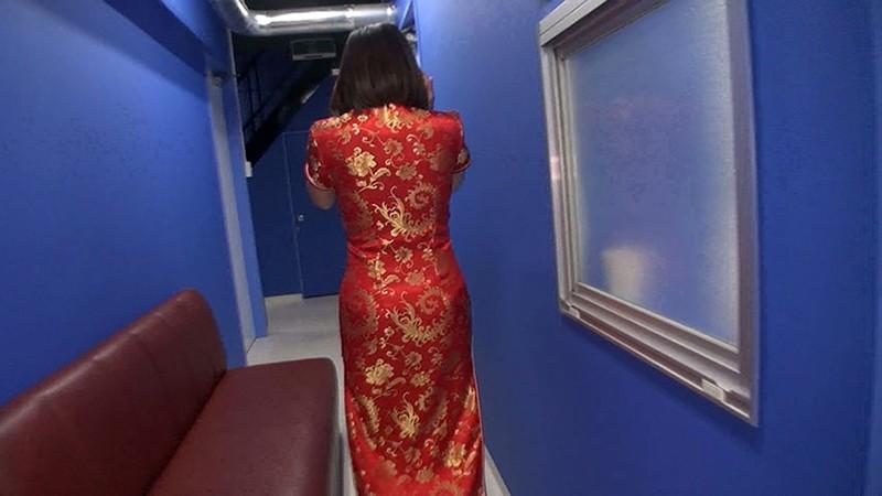 階段チャイニーズ チャイナ服の中の太ももやパンツ見てみたいでしょ? 編 の画像10