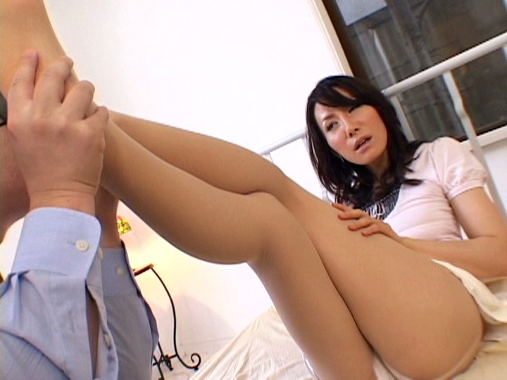 人妻 LEGS+ パンスト・タイツの貞淑 有沢実紗 画像11