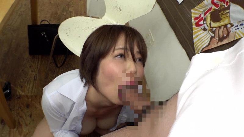 居酒屋で憧れの人妻女上司と2人きりで飲んでたら酔ったみたいなのでどさくさまぎれにキスをしたら… 画像14