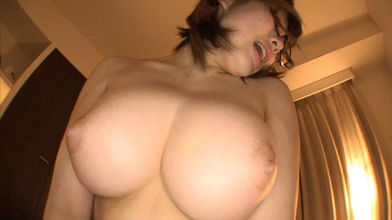 卑猥な水着姿のお姉さん、霧島さくらのパイズリ乳首舐めセックスエロ動画。【ハメ撮り、コスプレ、フェラ動画】