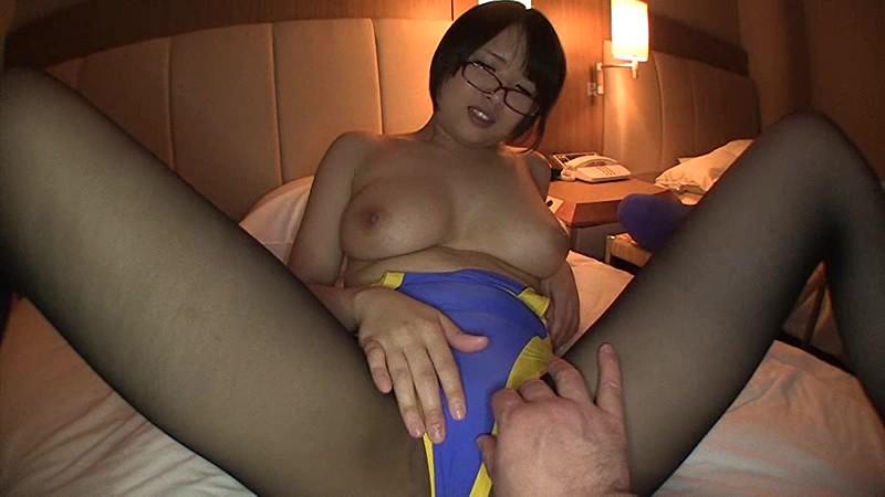 競泳水着姿の女の子、真田美樹の中出しハメ撮り無料動画!【真田美樹動画】