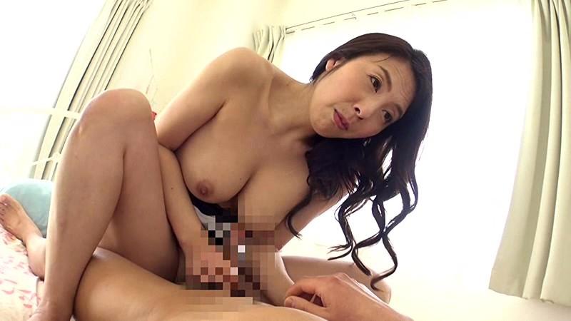 【童貞】欲求不満な四十路の熟女素人の、セックス筆おろし手コキ無料動画!【熟女、素人、人妻動画】