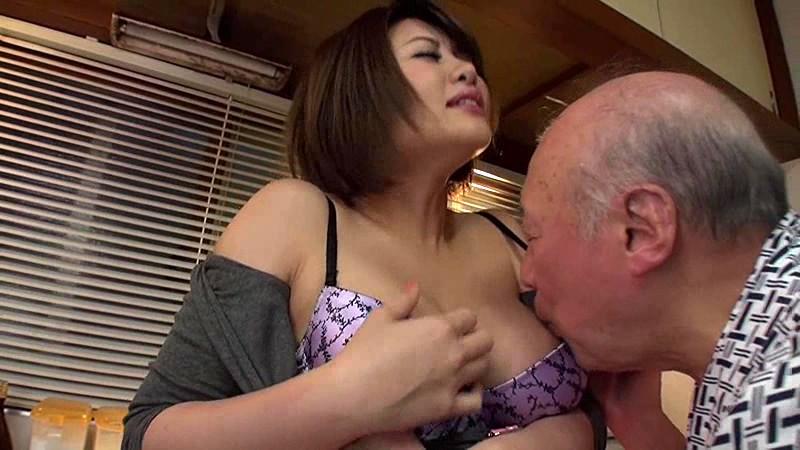 老人たちに寝取られたセックスレスの夫を持つ巨乳嫁 推川ゆうり サンプル画像 6