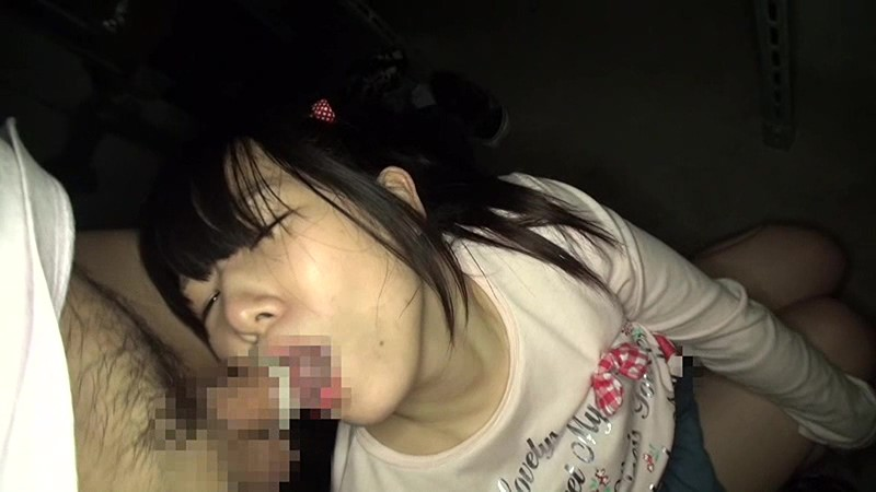 マンション敷地内で発生した少女わいせつ事件の犯行映像 無料エロ画像19