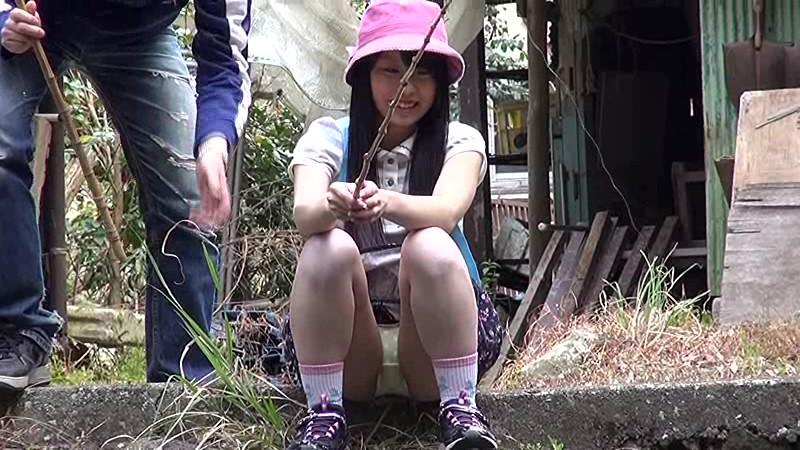 キャンプ場で引率のボランティアスタッフに野外レ●プされる小●生 無料エロ画像7