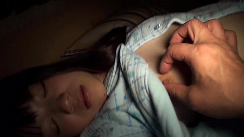 黒髪が綺麗な清純妹系美少女と性交 南梨央奈|無料エロ画像7