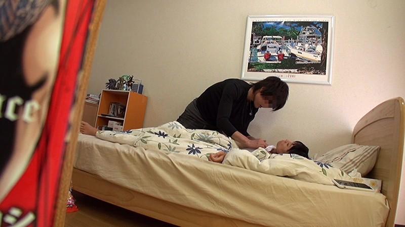 夏休みに遊びに来た日焼け姪っ子を睡眠薬で眠らせ初●もきていないマ●コに中出しを繰り返す叔父の投稿映像 無料エロ画像6