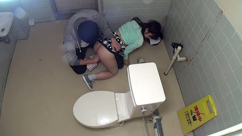 ●学生トイレこじ開けレ●プ 無料エロ画像9