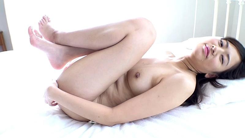現役レースクィーン+インフルエンサー 着エロデビュー/真野紗耶加17