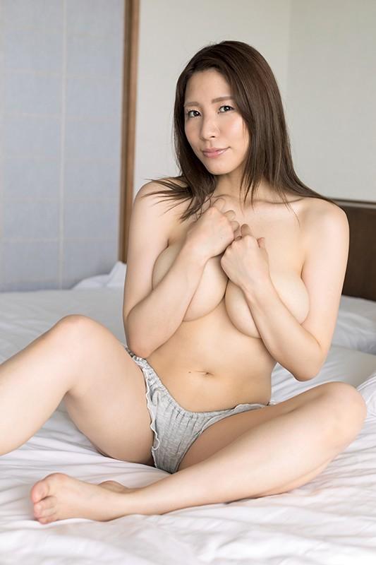 アイドルワン SEXY DYNAMITE ~恵体の女神さま~ 夏来唯
