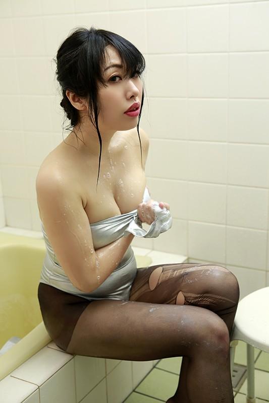 荊城チカ 「セクシーなクチビルがチャームポイントのコスプレイヤー LOVE FETI MOVIE」 サンプル画像 9
