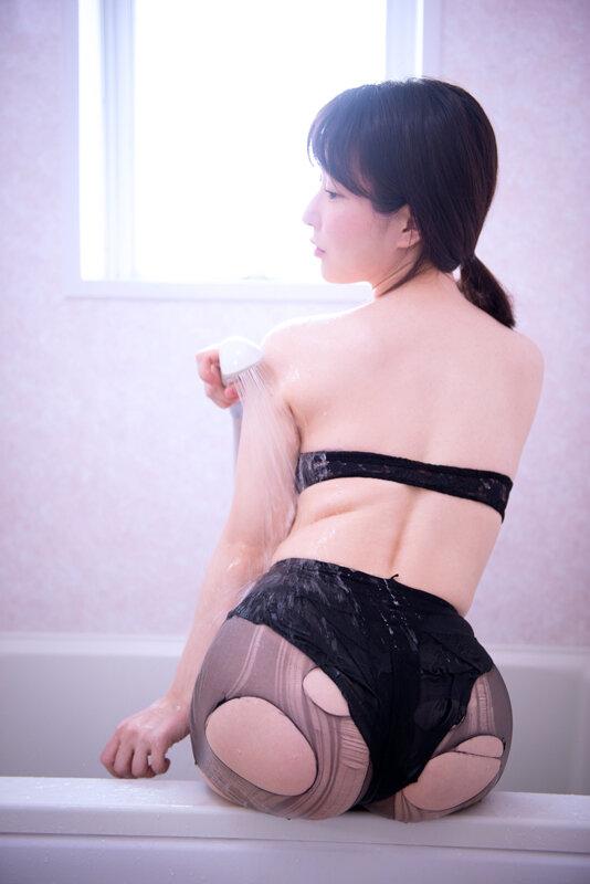 「淫乱な家事代行~その名は留菜~」 雨宮留菜