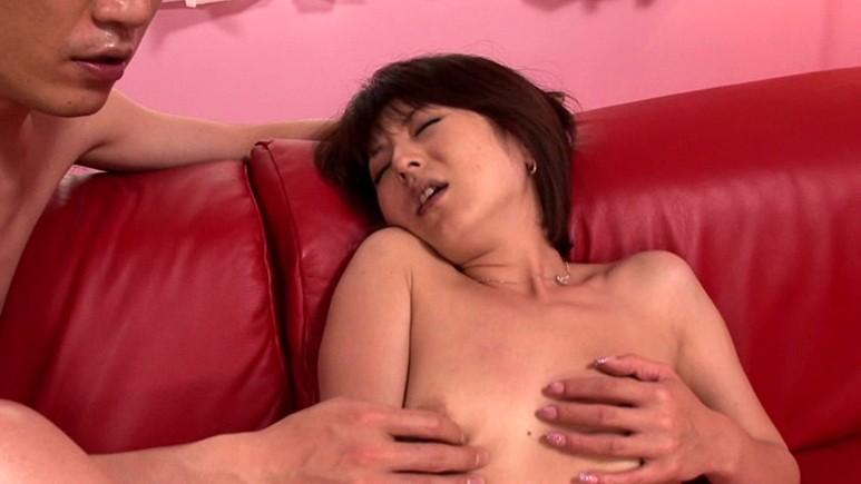 【#芹沢恋】熟女のベロちゅう交尾 芹沢恋[53dv957][53DV957] 2