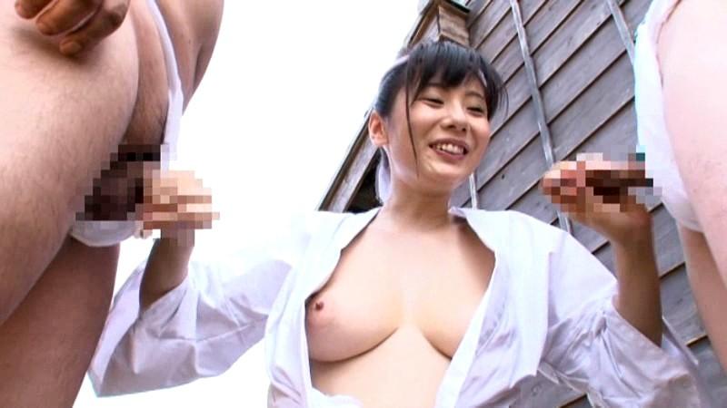 【麻美ゆま 3P】巨乳で美乳の、麻美ゆまの3Pフェラ露出セックスプレイが、野外で!!
