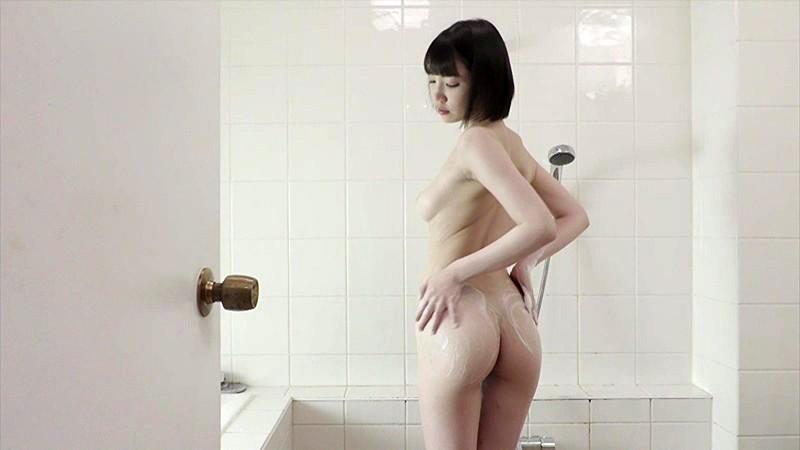 パイパンヌード〜無●正・美巨乳Eカップ・超S級美少女〜鈴木心春 12枚目