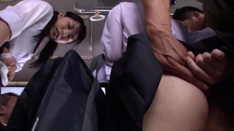電車バス内で行われる痴●わいせつ映像集 4時間 1
