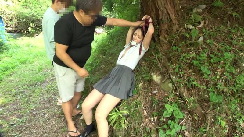 女子●生野外中出しレ●プ映像集2枚組8時間3
