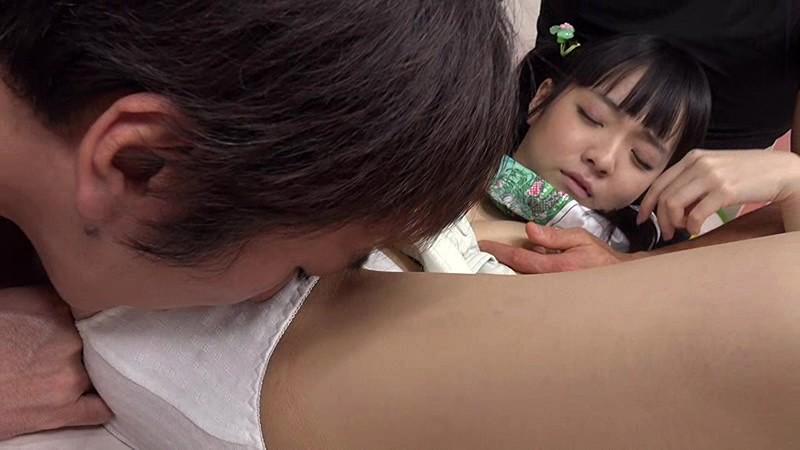 【早乙女ゆい クンニ】貧乳でパイパンの、早乙女ゆいのバック乱交輪姦プレイエロ動画!【エロ動画】