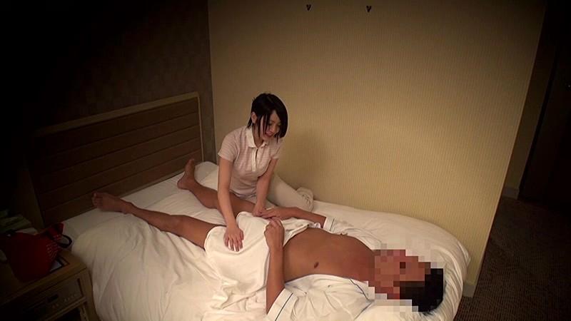 【人妻 中出し】制服姿の人妻の、フェラエステセックスプレイがエロい!!